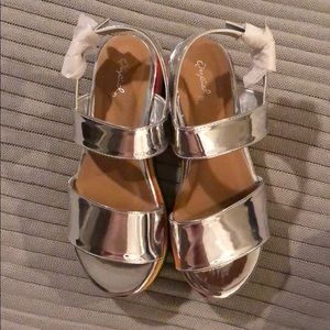 738ad08cb39c Dolls Kill Shoes - BRAND NEW rainbow platform sandals   SIZE 8